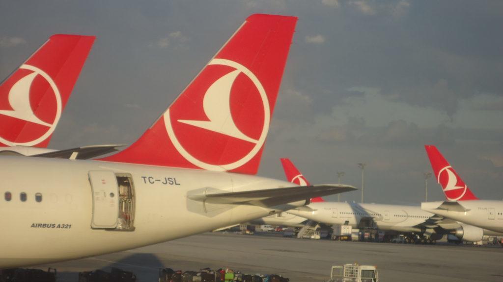 Сотни отмененных рейсов Turkish Airlines из-за снегопада… WTF?!