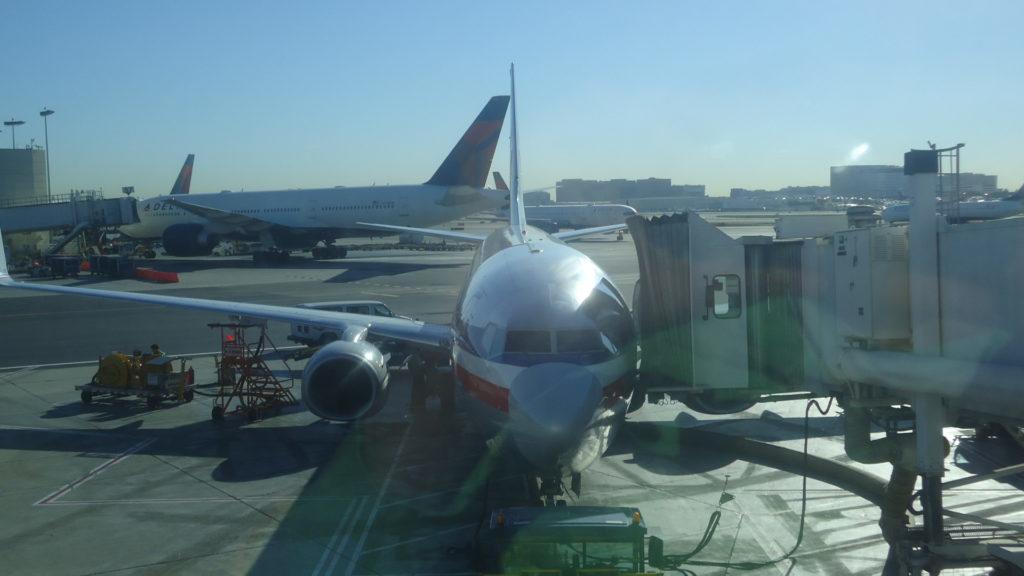 Обзор: American Airlines, B738, бизнес-класс, Лос-Анджелес – Мехико