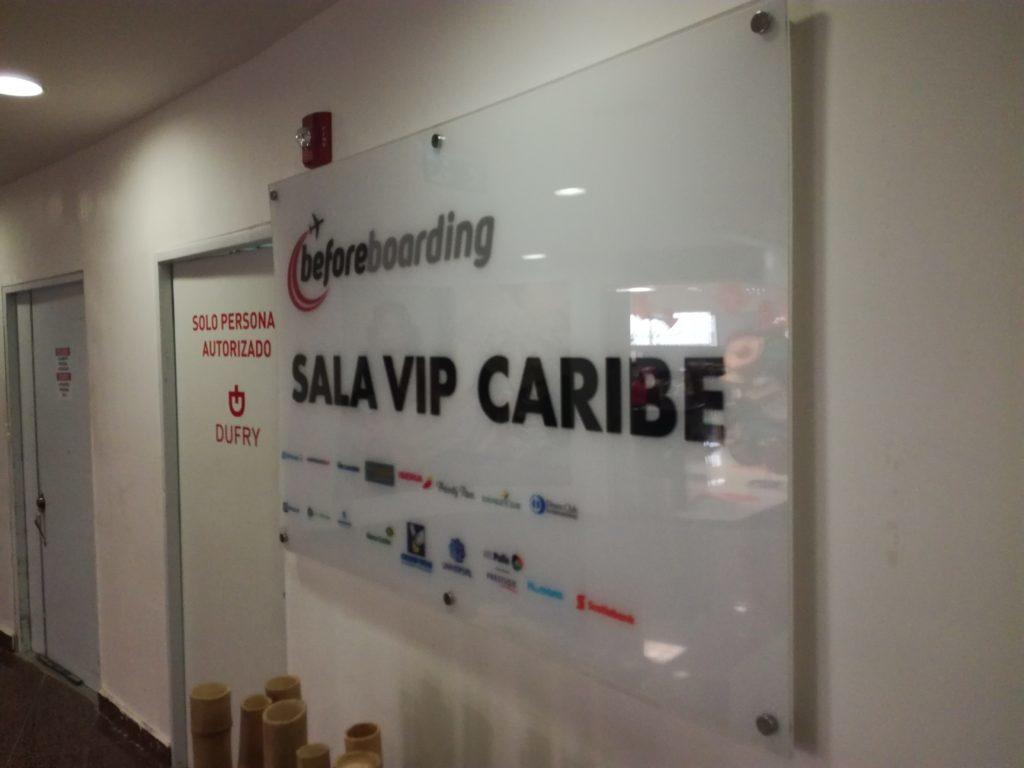 Обзор: Sala Caribe, Санто-Доминго (SDQ)