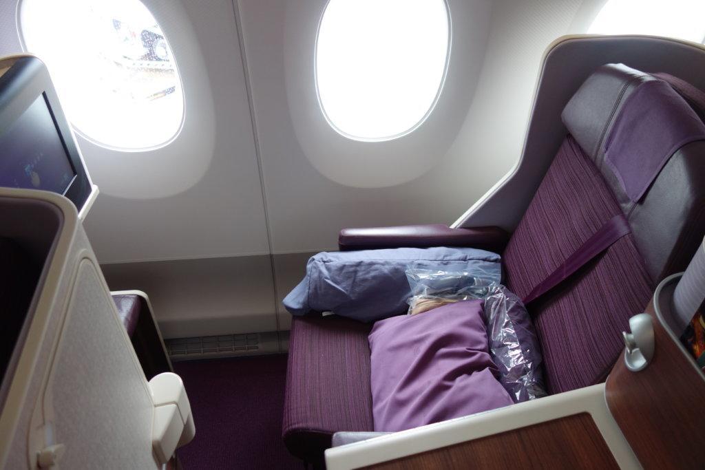 Бизнес-класс Thai Airways, A350, в 5 фотографиях