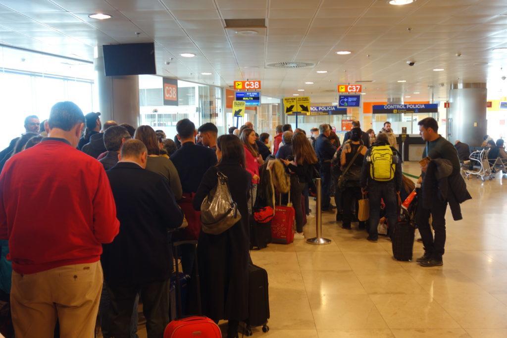 Новая политика ручной клади у Ryanair на практике